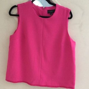 Sleeveless fully lined twill top